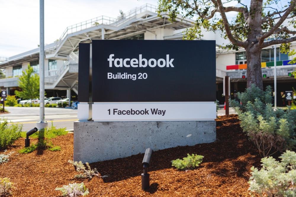 Facebook: δεν μπορούμε να αντιμετωπίσουμε μόνοι μας το ζήτημα της εμπλοκής στις εκλογές