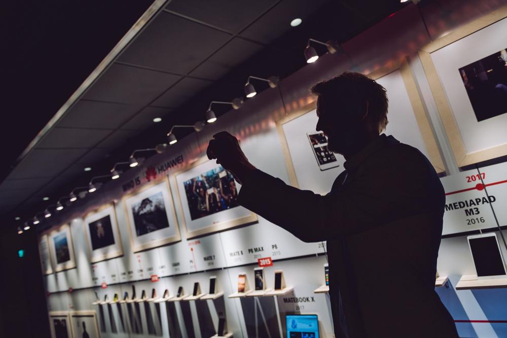Η Αγγλία μπροστά σε μια δύσκολη απόφαση για το 5G της Huawei