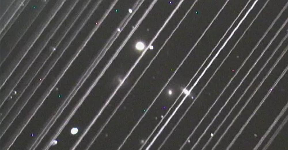 Αστρονόμοι εναντίον δορυφόρων