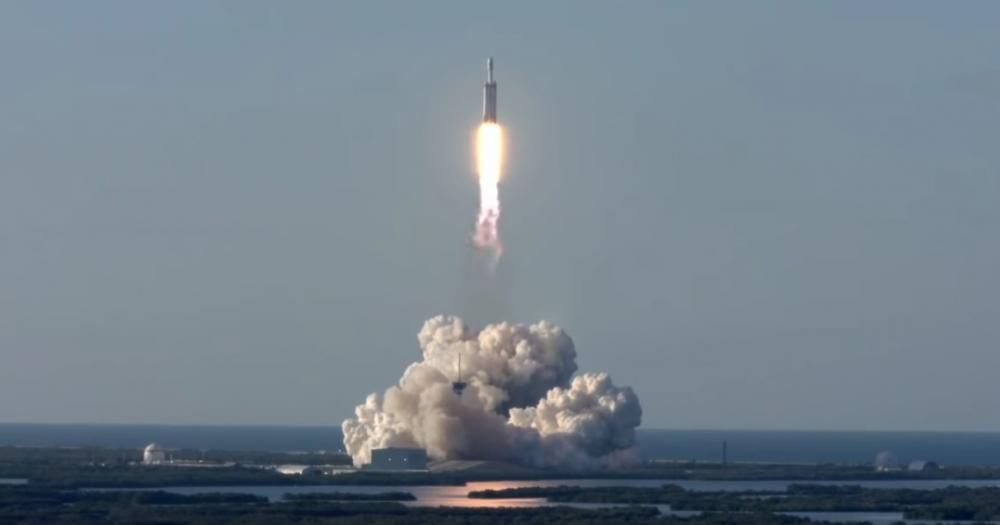 SpaceX: με απώλειες η τρίτη αποστολή του Falcon Heavy
