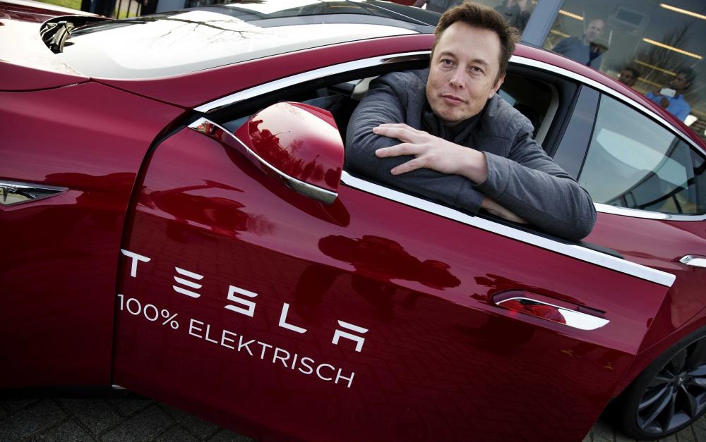 Αυτόνομη οδήγηση για τα αυτοκίνητα της Tesla