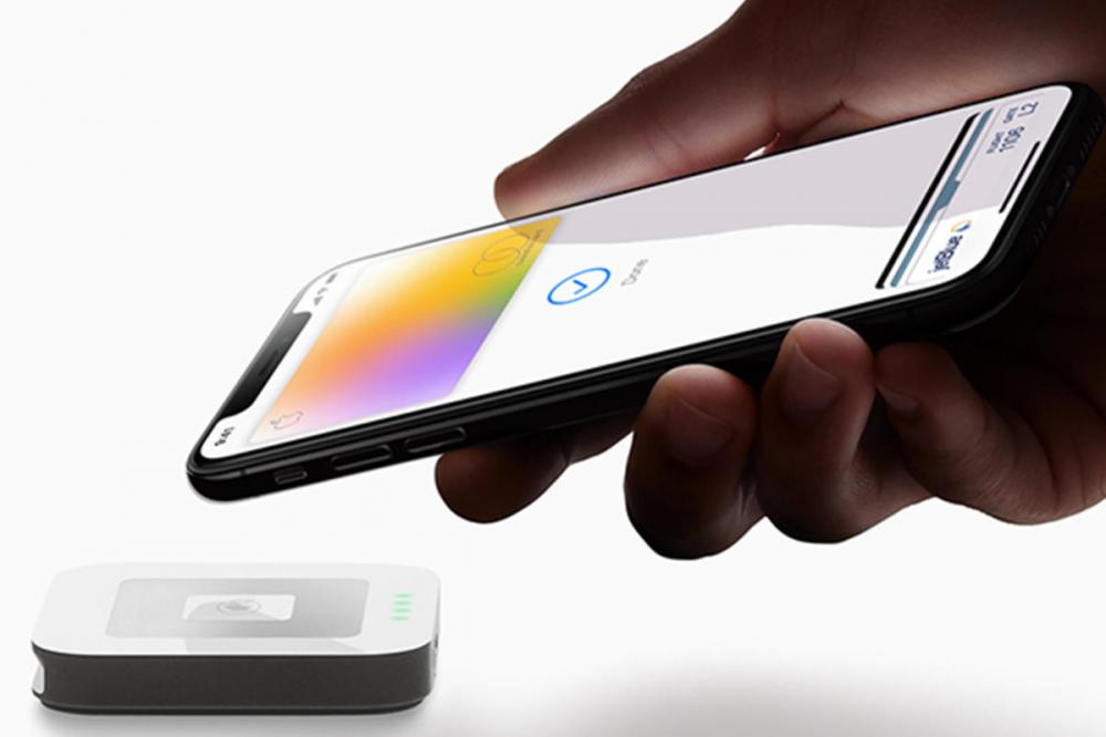 Alpha Bank: περισσότεροι από 5000 πελάτες συνδέθηκαν στο Apple Pay