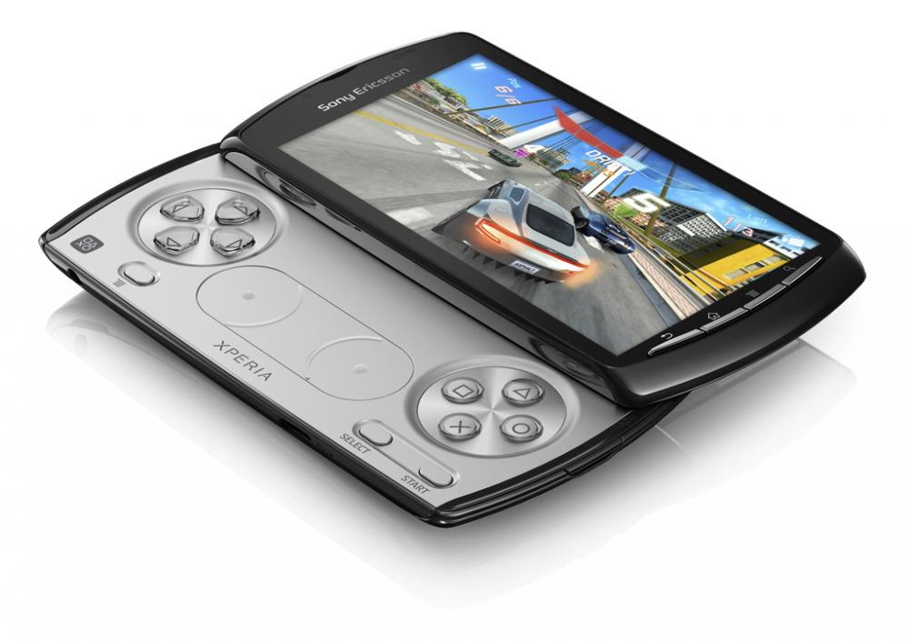 Sony Ericsson Xperia play αποκλειστικά από την Cοsmote