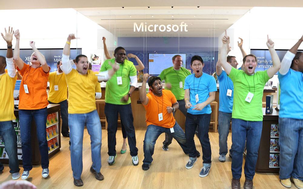 Λουκέτο στα καταστήματά της βάζει η Microsoft