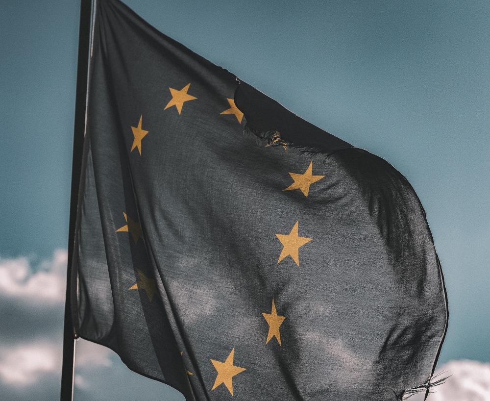 Ευρωπαϊκή Ένωση: αν δεν υπάρξει παγκόσμια συμφωνία στον ψηφιακό φόρο θα πρέπει να δράσουμε μόνοι μας