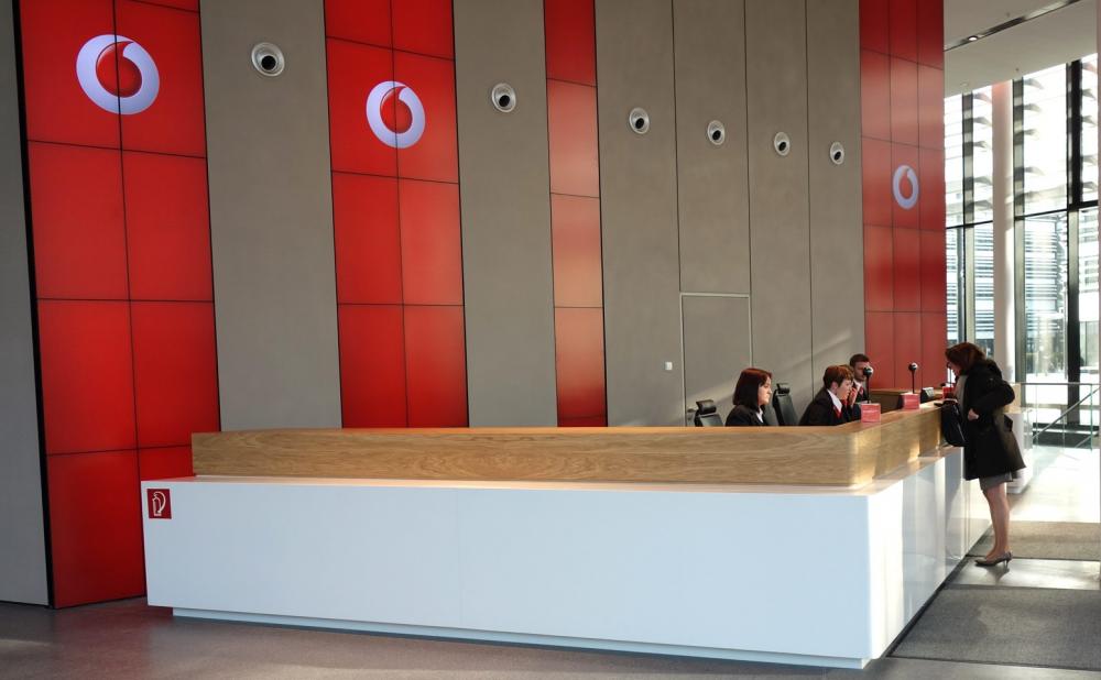 Verizon και ΑΤ&Τ θέλουν τη Vodafone