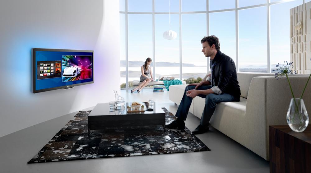 Τηλεόραση και Internet μαζί για τους Έλληνες