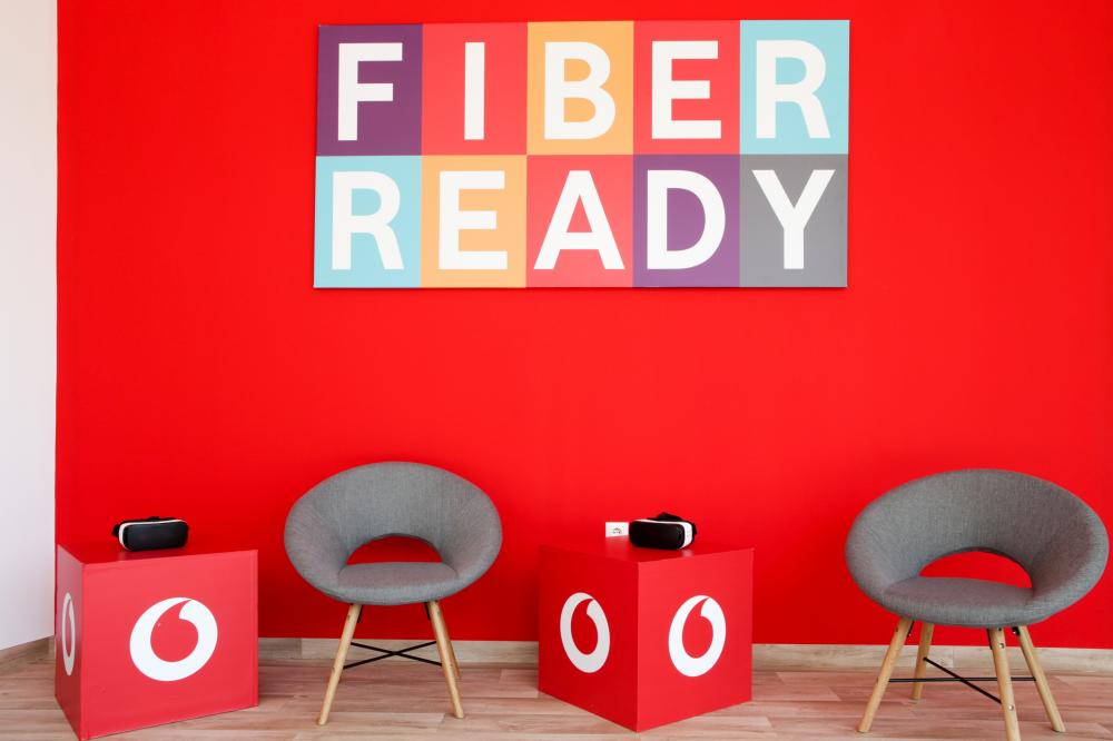 Vodafone: παρουσίασε το δίκτυο οπτικών ινών μέχρι το σπίτι στον Βύρωνα