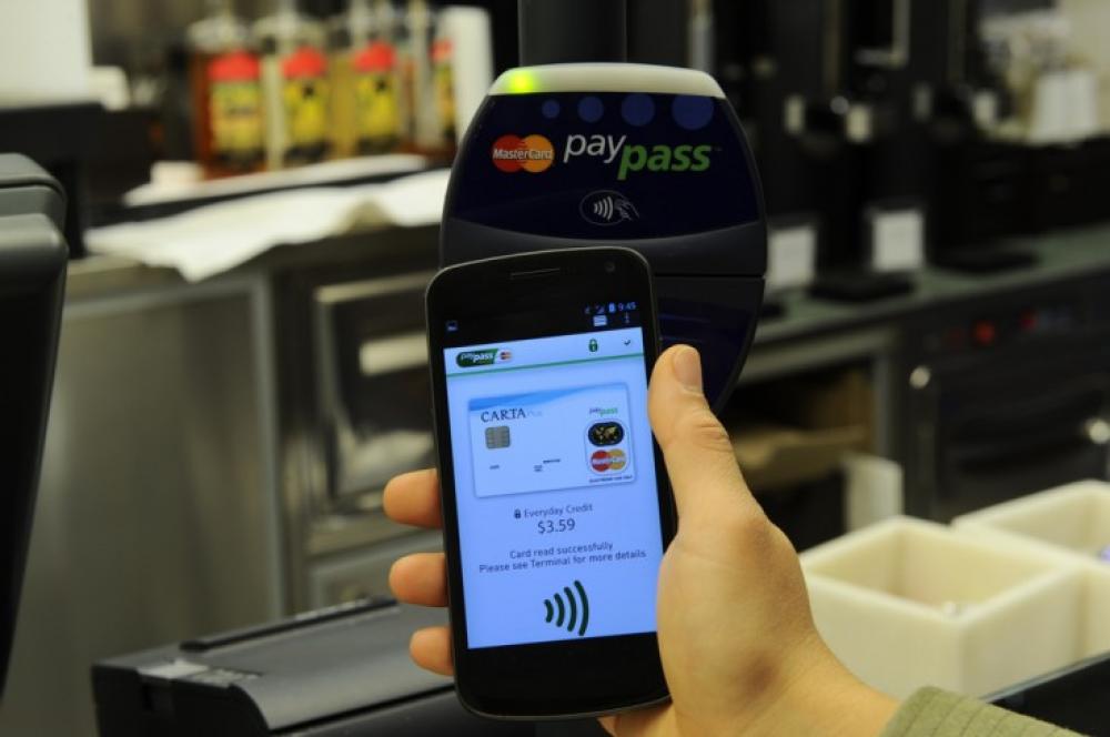 Τέλος του 2015 οι πληρωμές μέσω smartphones