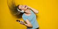 Ξεπέρασαν τα 358 εκατομμύρια οι επί πληρωμή συνδρομές σε μουσικές πλατφόρμες το 2019