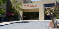 Η Tesla έριξε από το θρόνο της την Toyota