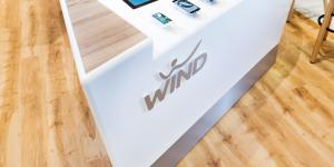 Οι υπηρεσίες της Viva Wallet στα καταστήματα Wind