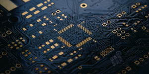 Θα συνεχιστεί η «λιτότητα» στα chips το 2022