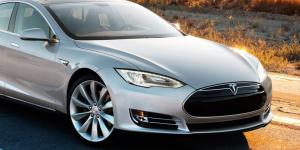 Elon Musk: η Tesla πλησιάζει στην πλήρως αυτόνομη οδήγηση