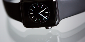 Apple: μεγαλώνει τη διαφορά της από τους υπόλοιπους στα smartwatches