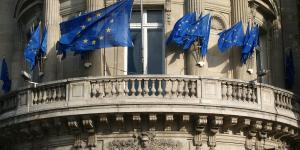 Έφεση στην απόφαση του Ευρωδικαστηρίου υπέρ της Apple ασκεί η Επιτροπή