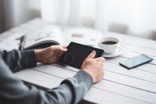 Smartphones και tablets στο χαράτσι υπέρ πνευματικών δικαιωμάτων