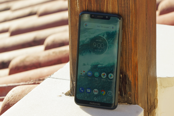 MOTOROLA ONE REVIEW