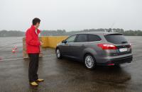 Παρκάρισμα αυτοκινήτου με remote control