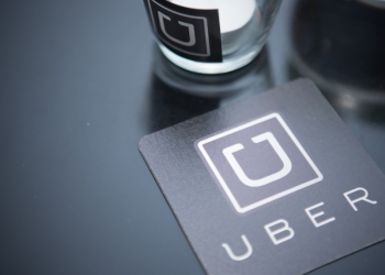 Νέο πρόγραμμα επιβράβευσης των συνεργατών οδηγών ταξί από την Uber