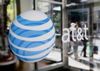 Πρώτες επιφυλάξεις για την εξαγορά της Time Warner από την AT&T