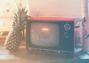 Ωραία βλέπουμε τηλεόραση αλλά τι βλέπουμε;