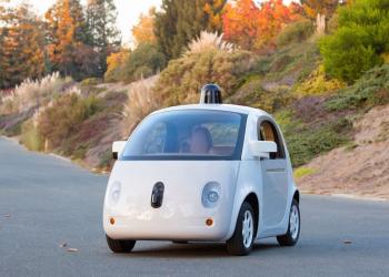 100 αυτόνομα αυτοκίνητα από τη Google και τη Fiat