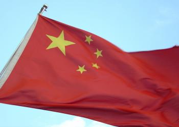 Όλο και μεγαλύτεροι οι τρεις κολοσσοί της Κίνας