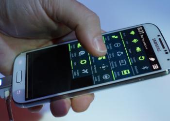 Τα smartphones ξεπέρασαν τα 'συμβατικά'