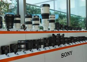 Η Sony συνεχίζει να στηρίζει τα μεγάλα σώματα φωτογραφικών μηχανών