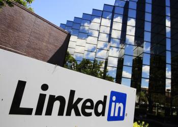 """Η Ρωσία """"απολύει"""" το LinkedIn"""