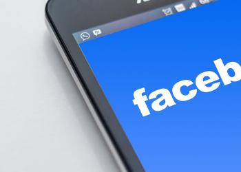 Επικίνδυνο σπορ το Facebook στο Βιετνάμ