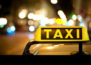 Κόντρα οδηγών ταξί με Νέα Δημοκρατία για την Uber