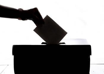 Οι εκλογές πλησιάζουν, το Facebook ετοιμάζεται