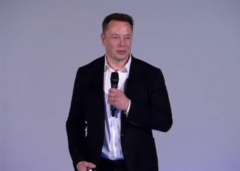 Ο Elon Musk θέλει να συμβιώσουμε με την τεχνητή νοημοσύνη