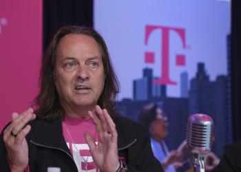 Αποχωρεί ο Τζον Λεζέρ από την T-Mobile Αμερικής