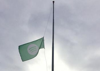 Spotify: υποστολή σημαίας στη μνήμη του David Bowie
