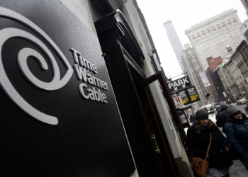 Παγώνει η συγχώνευση Comcast-Time Warner Cable
