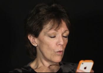 Σούζαν Μπένετ: Εγώ είμαι η Siri!
