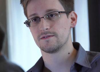 Προσωρινό άσυλο στη Ρωσία για τον Snowden