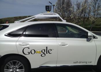 Λιγότεροι περιορισμοί για δοκιμές αυτόνομων αυτοκινήτων