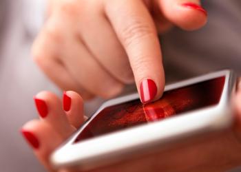 Απεριόριστη ομιλία και πολλαπλάσια data στα νέα προγράμματα Vodafone Red